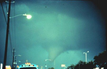 Торнадо на планете Земля